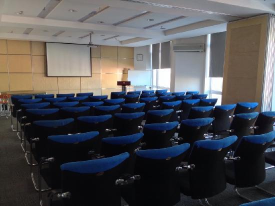 Super 8 Dalian Chenxi: 会议室