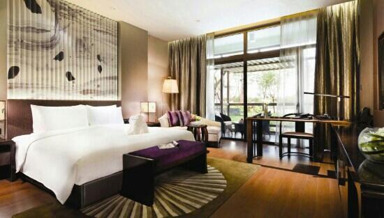 Citic Pacific Zhujiajiao Jin Jiang Hotel: 豪华大床房
