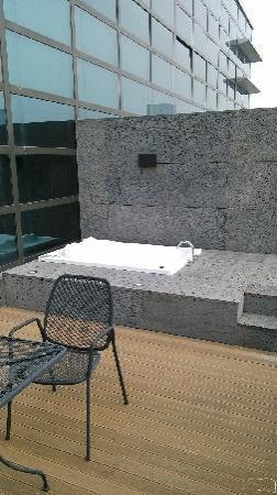 Staz Hotel Myeongdong 1: 看似亮丽的露台,在冬期形同虚设!废!