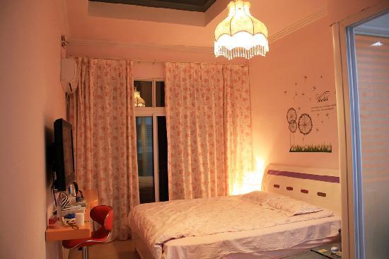 Yangshuo Dozycat Youth Hostel: 床