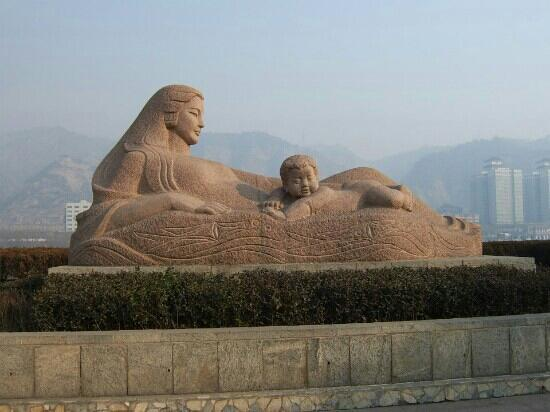Statue Of Mother Yellow River: 实拍