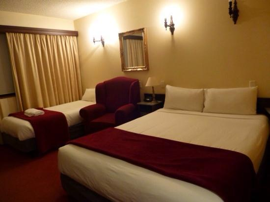 Quality Hotel Colonial Launceston: 房间