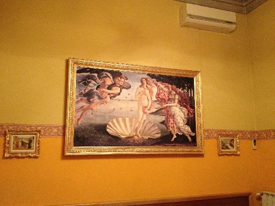 La Luna Guest House: 床头的维纳斯的诞生^^