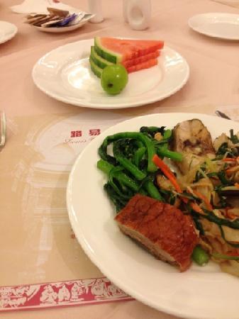 Guansheng Huangshibao Hotel : 南洋的自助餐
