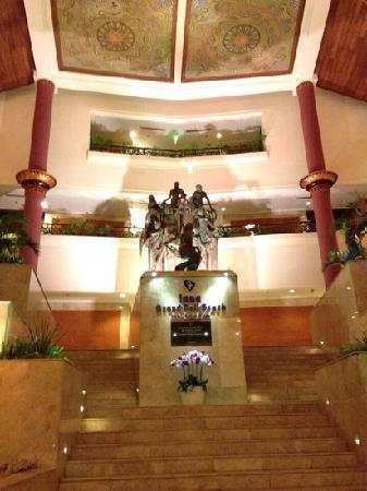 Inna Grand Bali Beach Hotel: lobby