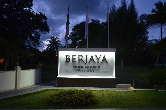 Berjaya Praslin Resort - Seychelles : 酒店门口标志