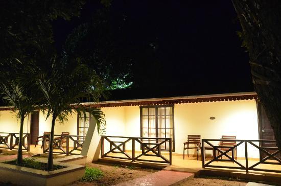 Berjaya Praslin Resort - Seychelles : 房间外夜景