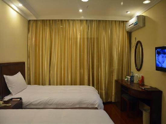 GreenTree Inn Huanghua Shigang East Road Express Hotel: 客房