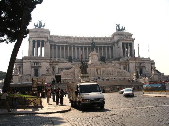 Piazza Venezia : 威尼斯广场