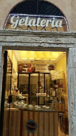 Gelateria Del Monte: 店正门