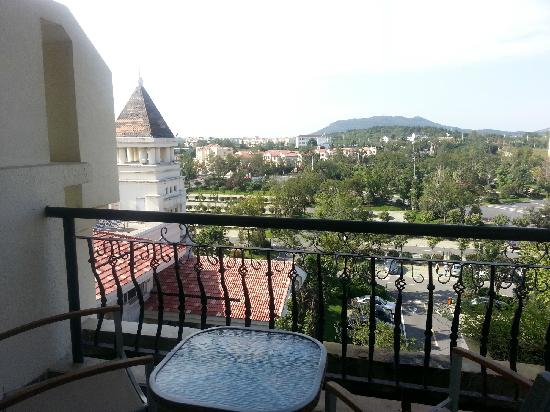 Country Garden Phoenix Hotel Binhu City : balcony