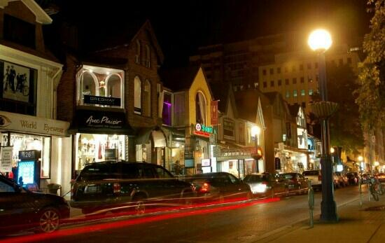 Yorkville: 街区