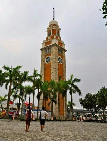 Former Kowloon-Canton Railway Clock Tower : 海边