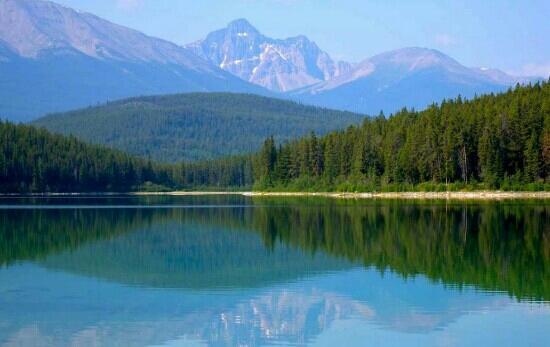 Pyramid and Patricia Lakes : nice
