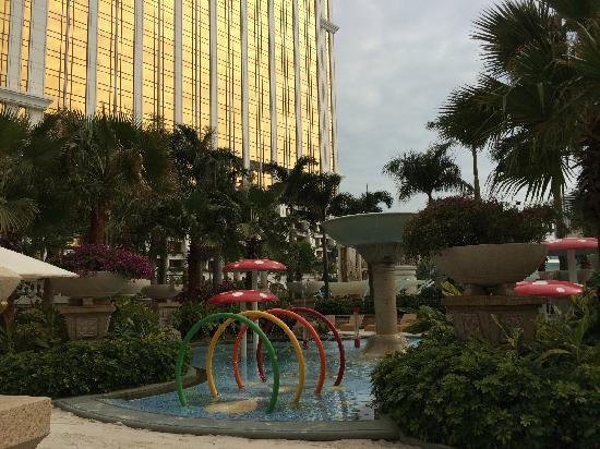 Banyan Tree Macau : 露天泳池