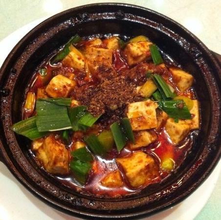 Chen Mapo tofu (Luomashi): 中间是花椒