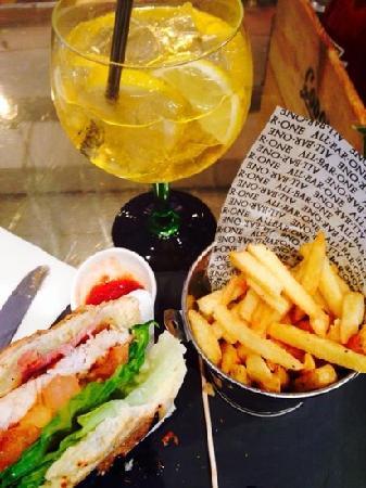 All Bar One New Oxford Street: 主菜