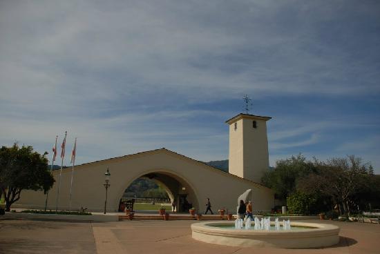 Robert Mondavi Winery: 标志性建筑
