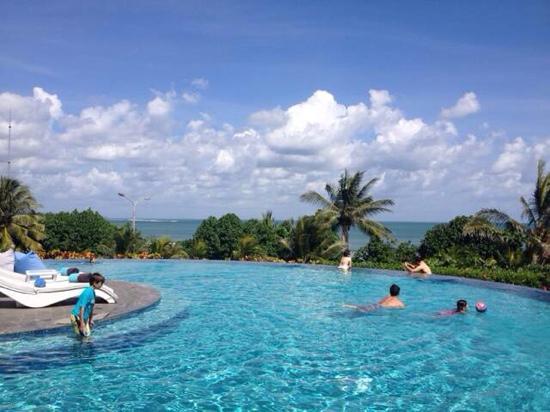 Sheraton Bali Kuta Resort: 泳池