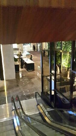 Grand Hyatt Shenyang: 和万象城扶梯相通
