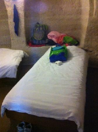 Peri Cave Hotel: 四人间