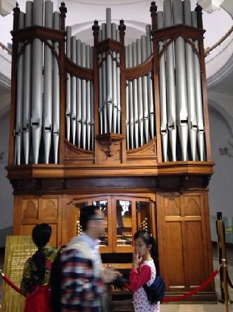 Xiamen Piano Museum : 博物馆里最大的钢琴
