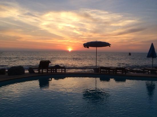Amantra Resort & Spa: 这家酒店的泳池。