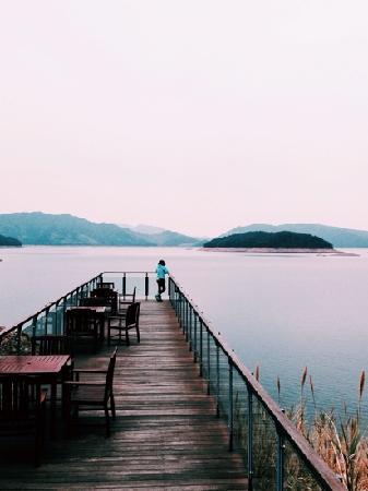 InterContinental One Thousand Island Lake Resort: 景观栈道