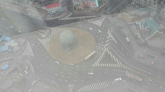 InterContinental Hotel Dalian: 从房间看楼下广场