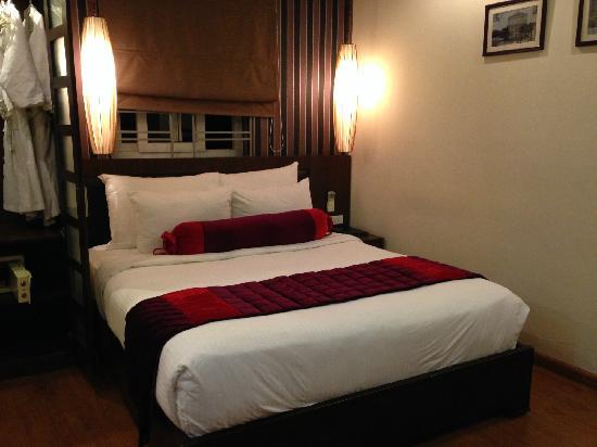 Art Trendy Hotel: 房间小而干净