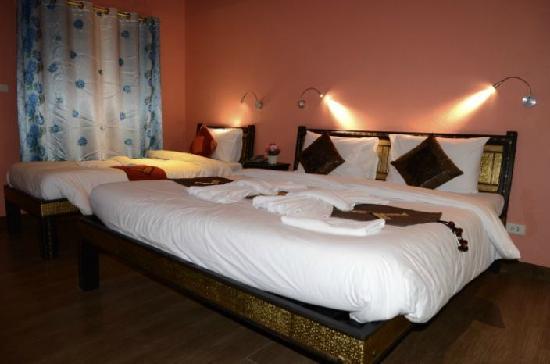 Chang Puak Hotel: 3人房