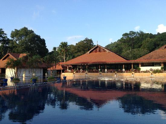 Club Med Cherating Beach: 美丽的游泳池