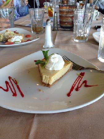 Harbor House Restaurant : 甜品无法入口