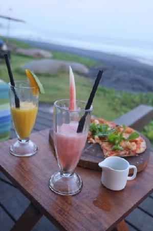 Komune Resort, Keramas Beach Bali: food