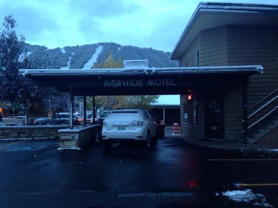 Rawhide Motel : v