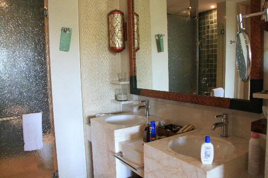 Shangri-La's Boracay Resort & Spa: img_9276