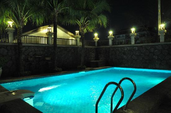 Thannatee Boutique hotel: 泳池