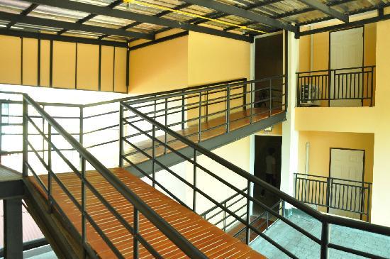 Roseate Hotel: 走廊