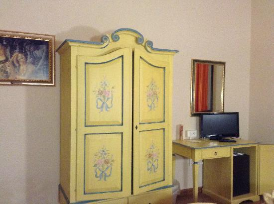 Hotel Vasari Palace: 复古小清新的房间