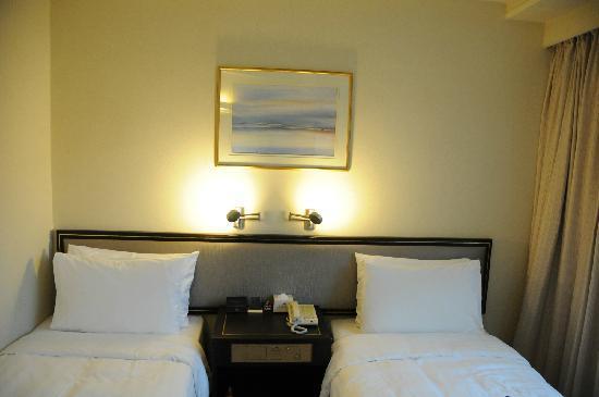 South Pacific Hotel: 双床房