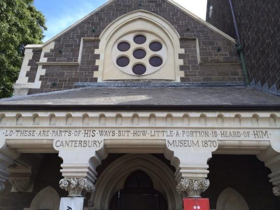 Museo Canterbury: 入口处