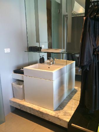 Foto Hotel: 洗手台