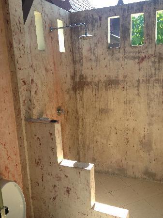 Lanta Klong Nin Beach Resort: 浴室
