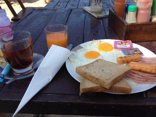 Lanta Klong Nin Beach Resort : 早餐