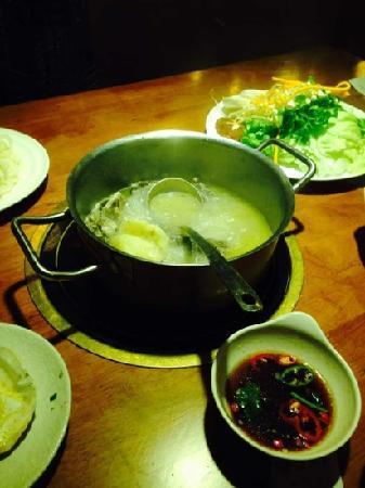 HuangJiHuang Three-Sauce Simmer Pot (JinAn)