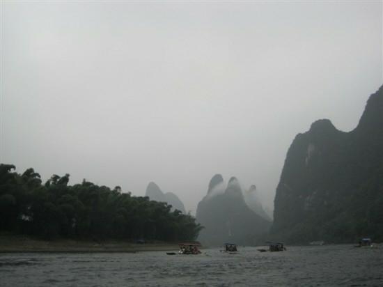 Li River: 江水