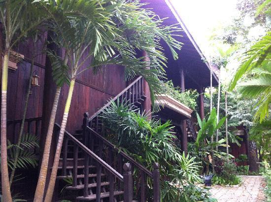 Sokhalay Angkor Villa Resort: 我们住的小楼