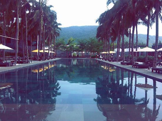InterContinental Sanya Resort : 酒店游泳池