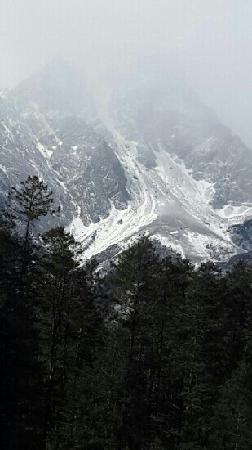 Yulong Snow Mountain and Glacier Park : 高原圣地净化人心,