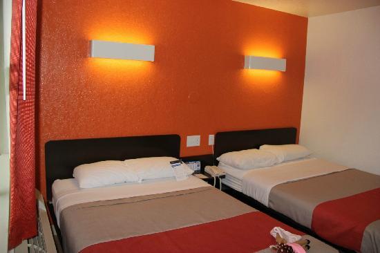 Motel 6 Jackson: 床